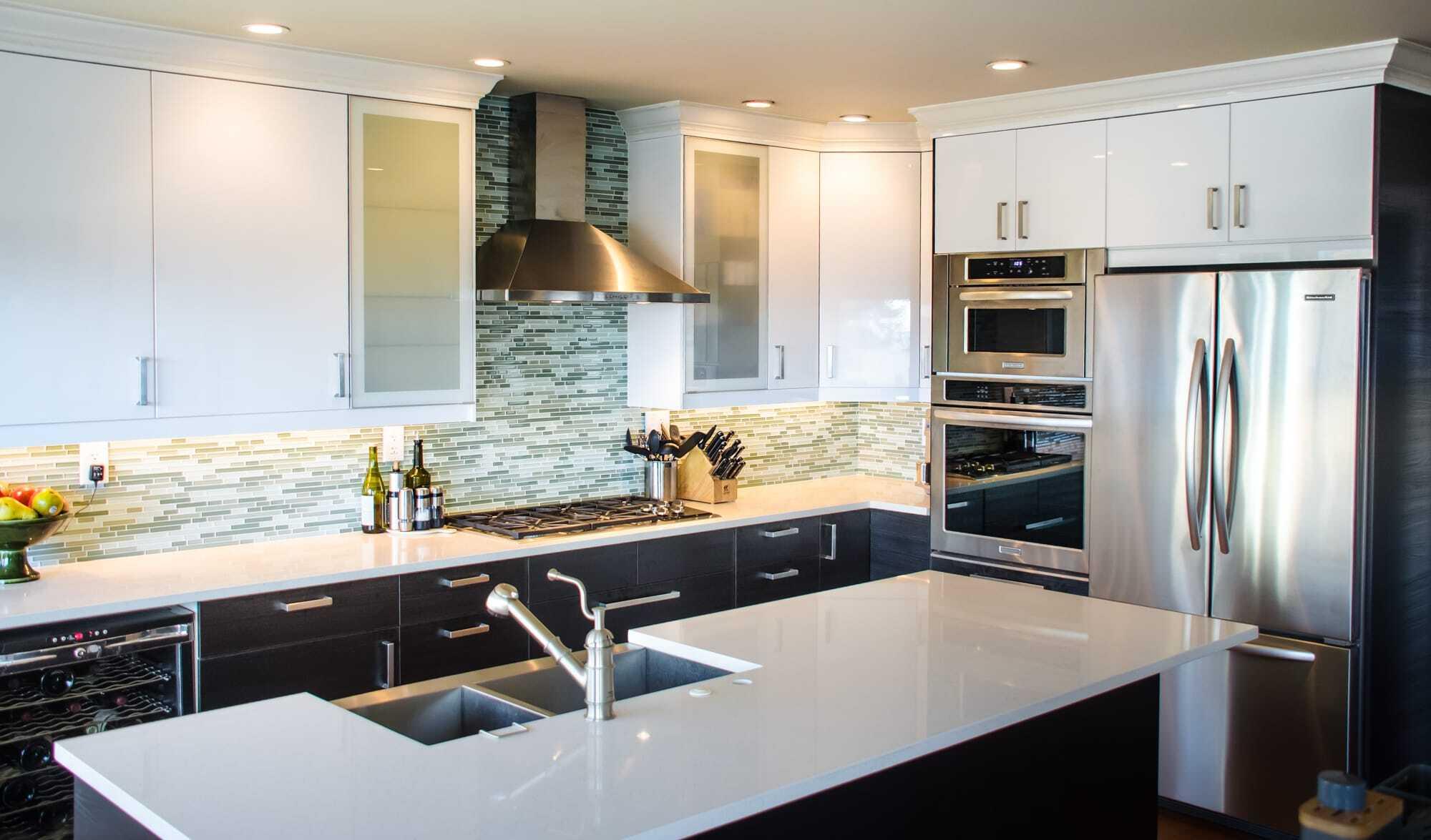 Gnosjo and Abstrakt White Kitchen