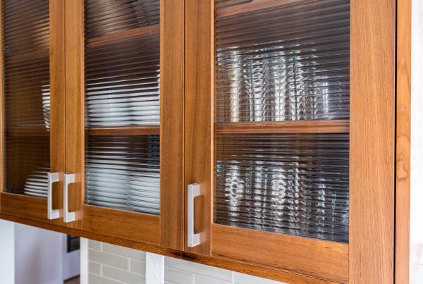 Reeded_Glass_Cabinet_Doors